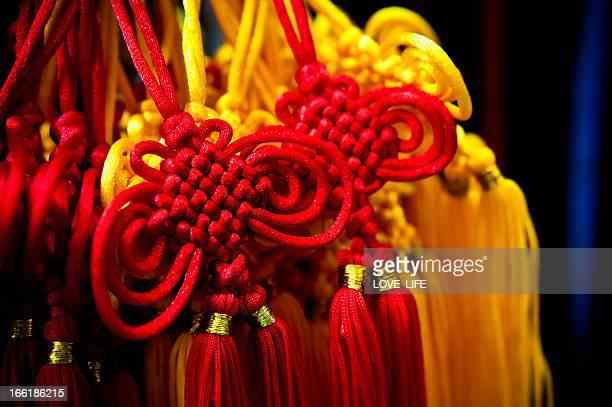 lucky nudos chinos - suerte fotografías e imágenes de stock