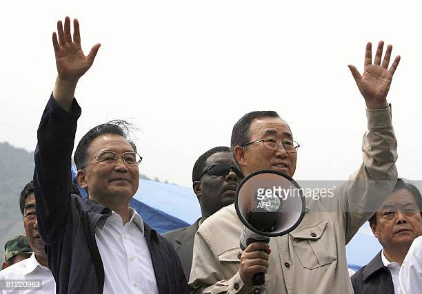 Chinese Premier Wen Jiabao and United Nations SecretaryGeneral Ban Kimoon wave to soldiers in the earthquakehit Yingxiu town of Wenchuan county in...