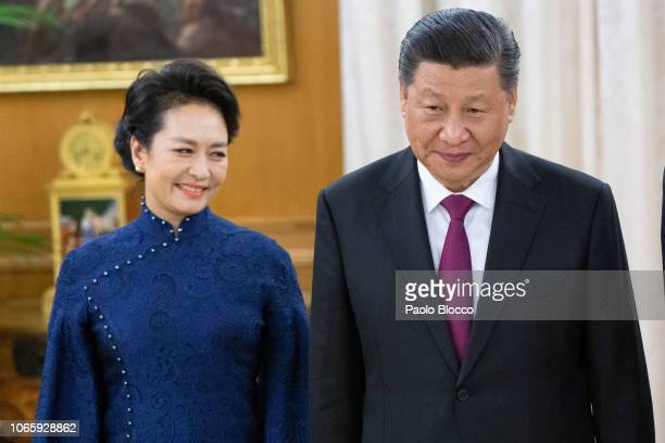Chinese president Xi Jinping and wife Peng Liyuan attend an official dinner at the Zarzuela Palace on November 27 2018 in Madrid Spain