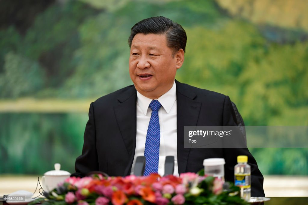 Chinese President Xi Jinping Meets With Klaus Schwab, Founder and Executive Chairman of the World Economic Forum : ニュース写真