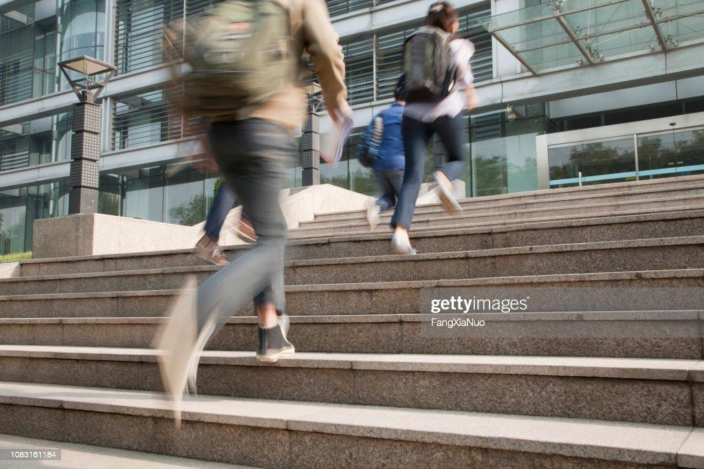 Chinese studenten op de campus : Stockfoto