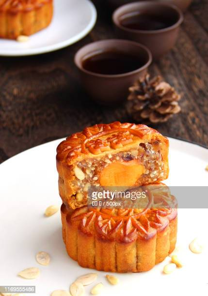 chinesemid-autumnfestival food, mooncakesand tea - moon cake stock pictures, royalty-free photos & images