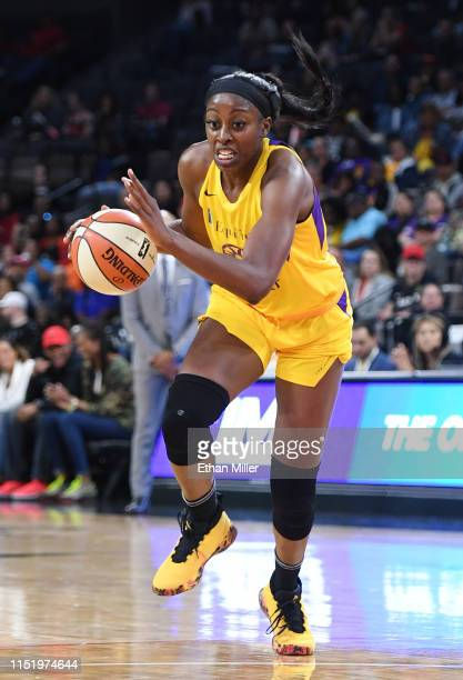 Chiney Ogwumike of the Los Angeles Sparks drives against the Las Vegas Aces during their game at the Mandalay Bay Events Center on May 26 2019 in Las...