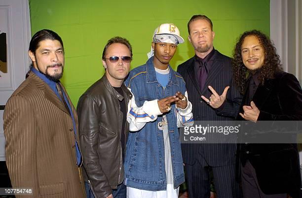Chingy with Robert Trujillo Lars Ulrich James Hetfield and Kirk Hammett of Metallica