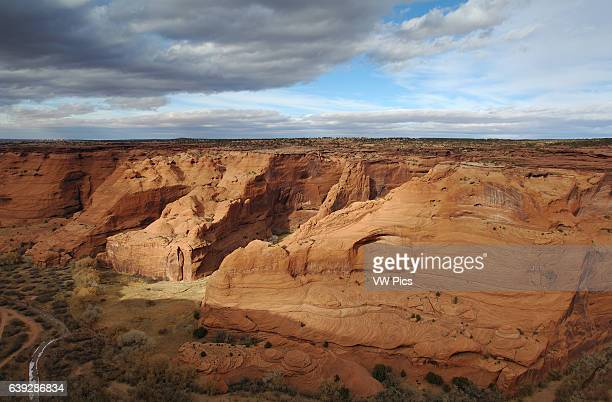 Chinle Wash and Canyon de Chelly from White House Overlook, Canyon de Chelly National Monument, Navajo Nation, Chinle, Arizona.