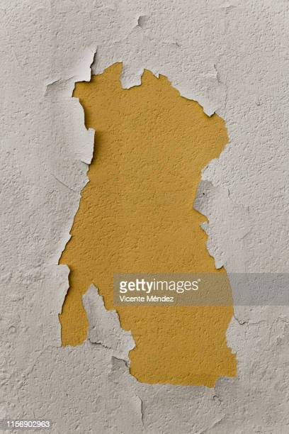 chipped wall - chipping stock pictures, royalty-free photos & images