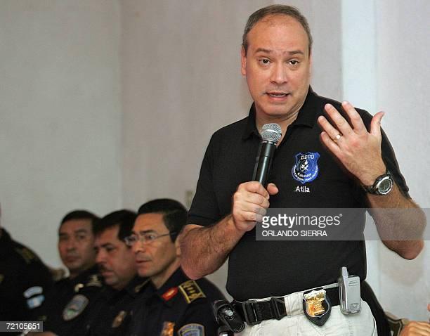 Rodrigo Avila director de la Policia Nacional Civil de El Salvador expone durante la primera reunion trinacional que sostiene con sus homologos de...