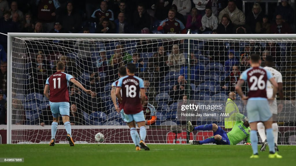 Chis Wood of Burnley scores a goal to make it 1-1 during the Carabao Cup Third Round match between Burnley and Leeds United at Turf Moor on September 19, 2017 in Burnley, England.