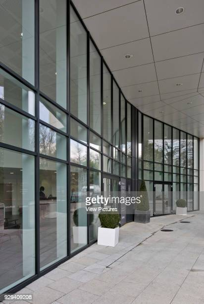 Chiswick Point Apartments entrance to residential building Chiswick Point Chiswick United Kingdom Architect Flanagan Lawrence 2015