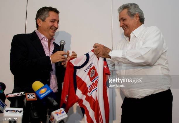 Chivas del Guadalajara's president Jorge Vergara presents the club's new sports president Rafael Lebrija during a press conference held at the...
