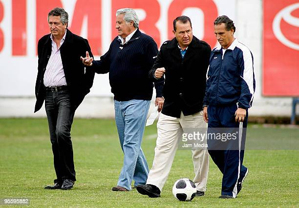 Chivas' president Jorge Vergara sports president Rafael Lebrija sport director Efrain Flores and head coach Jose Luis Real during a training session...