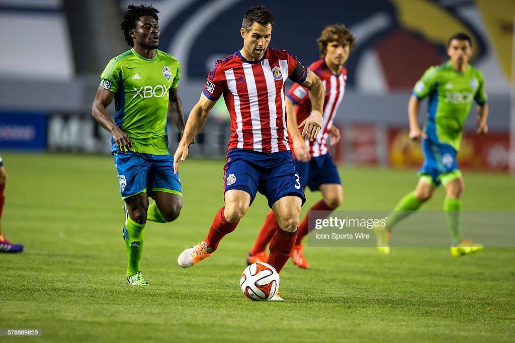 SOCCER: APR 19 MLS - Sounders FC at Chivas USA : News Photo