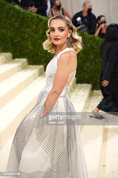 Chloe Fineman attends 2021 Costume Institute Benefit - In America: A Lexicon of Fashion at the Metropolitan Museum of Art on September 13, 2021 in...