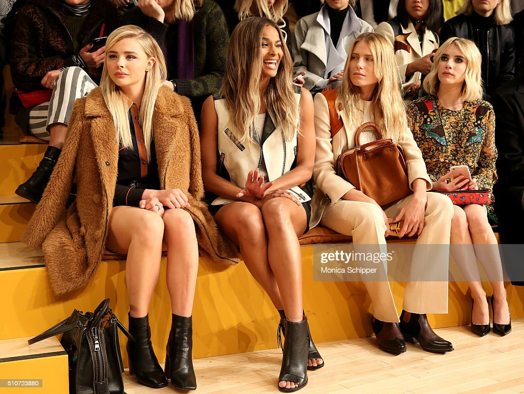 Coach Fall 2016 Runway Show - Front Row : ニュース写真