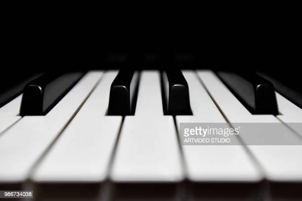 chocolate bar - ピアノの鍵盤 ストックフォトと画像