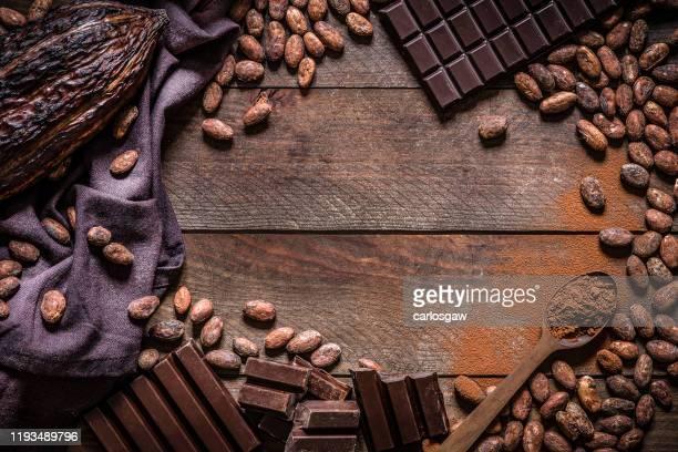 チョコレートバーとココアフレーム - ダークチョコレート ストックフォトと画像
