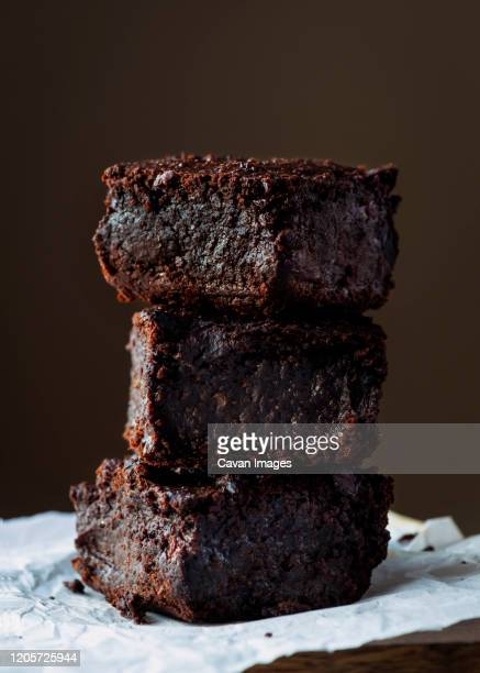 chocolate brownies plant based cake made with sweet potato - fudge stock pictures, royalty-free photos & images