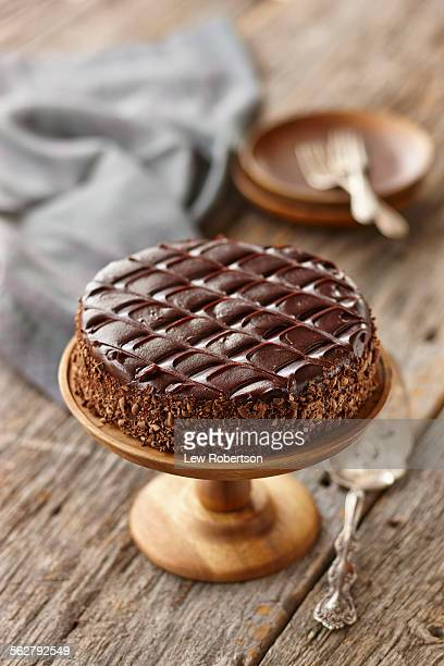 chocolate cake - chocolate cake stock pictures, royalty-free photos & images