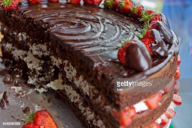 Chocolate Cake with Fresh Strawberry and White Banana Cream