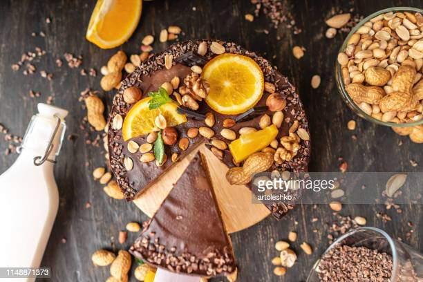 chocolate cake with orange cacao mint