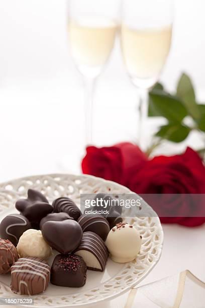 キャンディー、チョコレートやシャンパン
