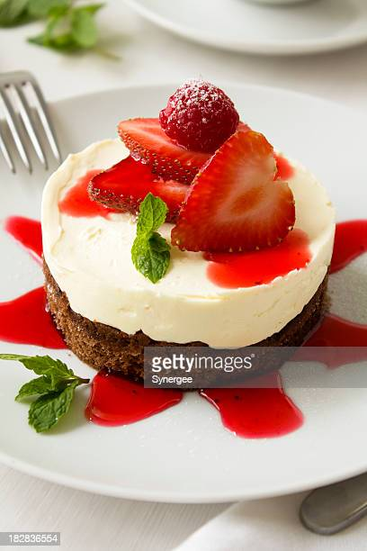 Chocolate cheescake with strawberries