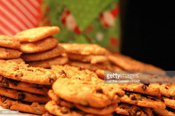 chocolate chip cookies and snickerdoodles - snickerdoodle stock pictures, royalty-free photos & images