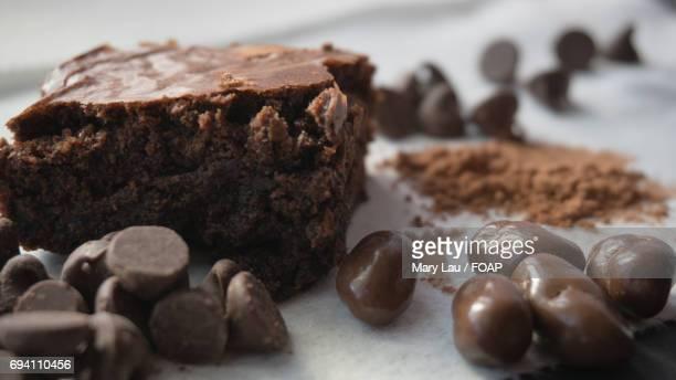 chocolate chips with chocolate - mary moody fotografías e imágenes de stock