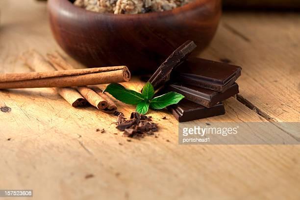 チョコレート、シナモン、ミント