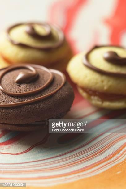 chocolate cookies - heidi coppock beard stock-fotos und bilder