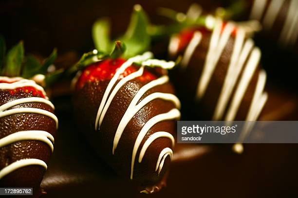 Chocolate covered strawberries with white chocolate drizzle