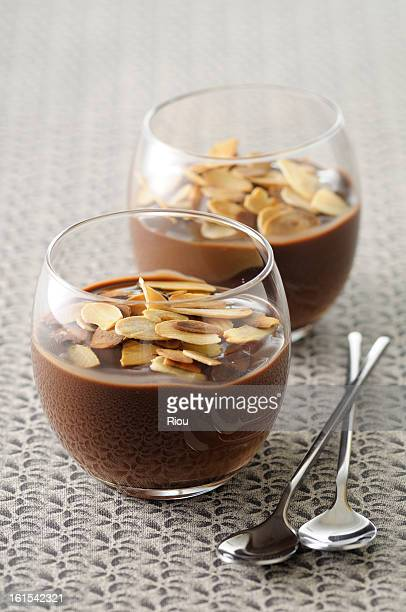 Chocolate cream with almonds