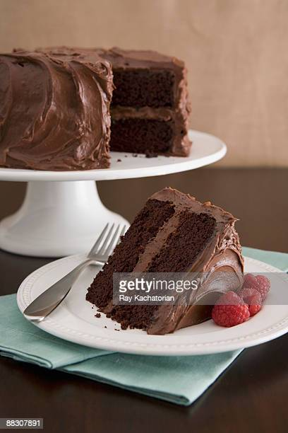chocolate devil's food cake - chocolate cake stock pictures, royalty-free photos & images