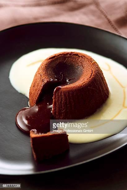 Chocolate fondante with custard