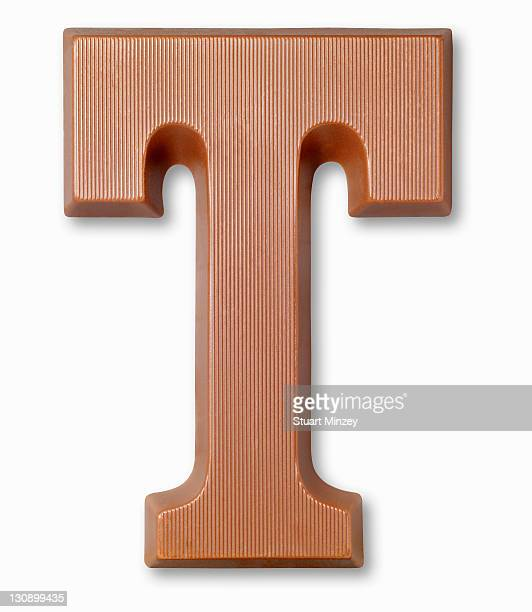 chocolate letter t - lettre t photos et images de collection