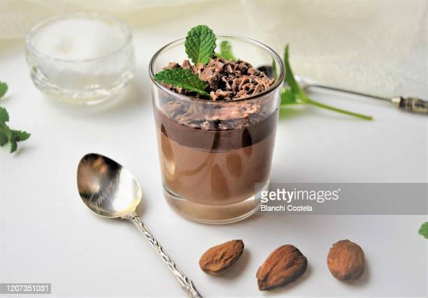 chocolate mousse - mousse dessert stock pictures, royalty-free photos & images