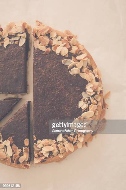 Chocolate pie with almonds
