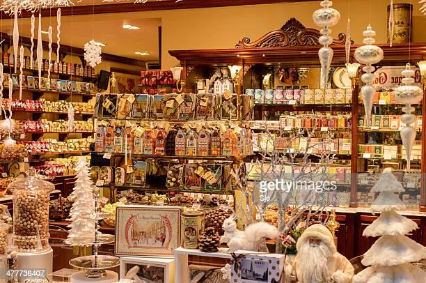 ブリュッセルのチョコレートショップ - ギフトショップ ストックフォトと画像