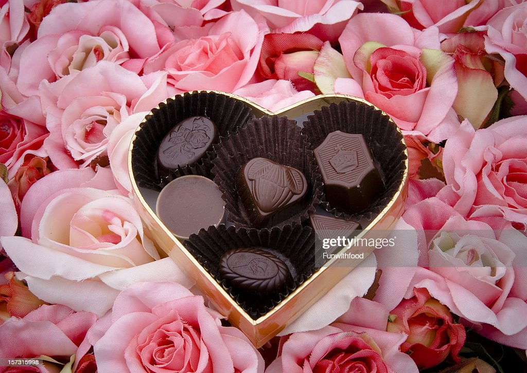 Chocolate Truffles Valentines Day Candy Heart Shape Gift Box Roses ...