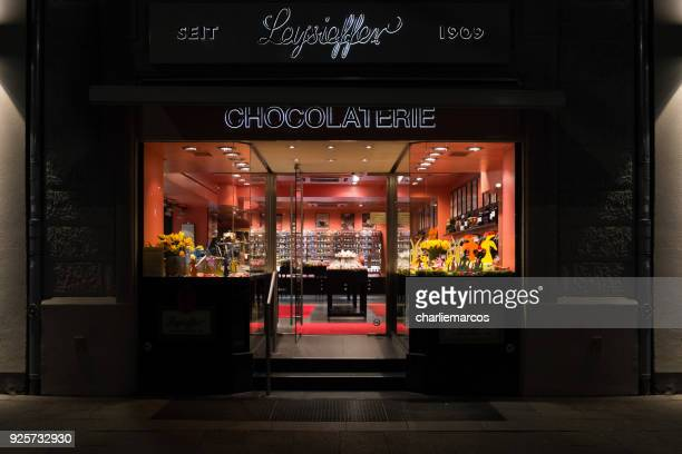 chocolaterie - chocolate factory bildbanksfoton och bilder