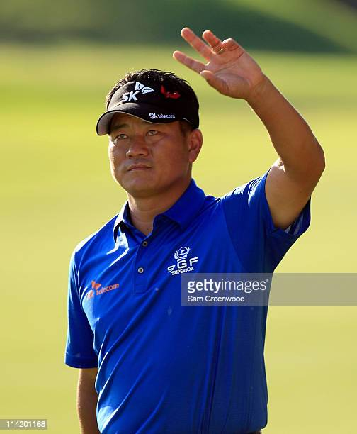 J Choi of South Korea waves to fans during the final round of THE PLAYERS Championship held at THE PLAYERS Stadium course at TPC Sawgrass on May 15...