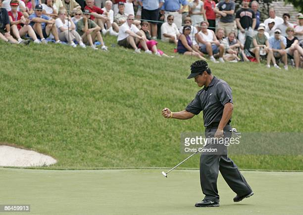 J Choi saves par on the 17th green during the fourth and final round of the Memorial Tournament Presented by Morgan Stanley held at Muirfield Village...