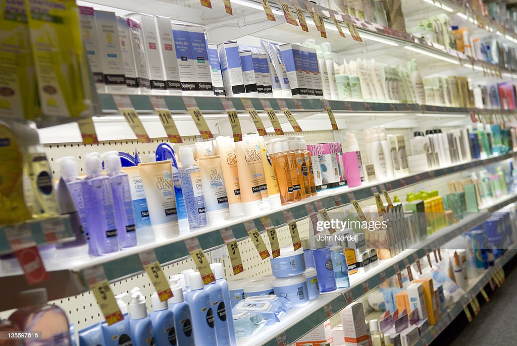 Choices for skin cream at a CVS drugstore, Boston, MA : Foto de stock