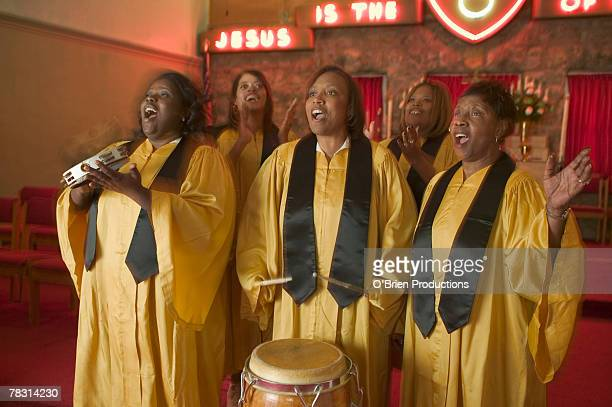 choir performing - gospel stock photos and pictures