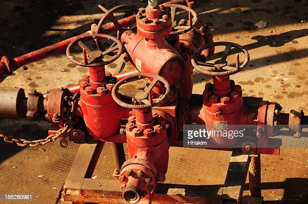 チョーク manifold -石油産業 - 喉が詰まる ストックフォトと画像