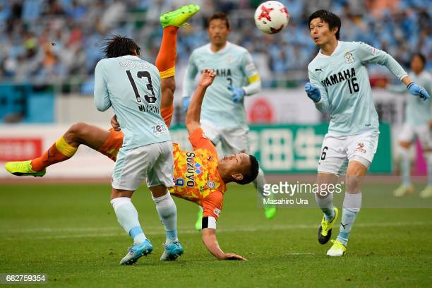 Chong Tese of Shimizu SPulse scores his side's first goal with a bicycle kick during the JLeague J1 match between Jubilo Iwata and Shimizu SPulse at...