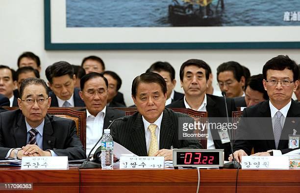 Choo Kang Soo president and chief executive officer of Korea Gas Corp left Kim Ssang Su president and chief executive officer of Korea Electric Power...