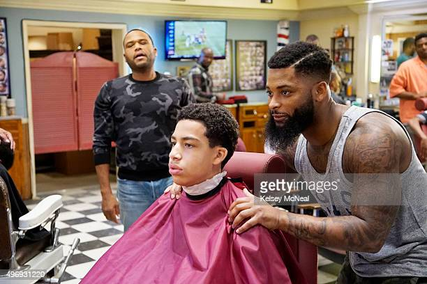 """Chop Shop""""- While Bow prepares for the Johnson family's annual Christmas card shoot, Dre takes Junior and Jack to the Barber Shop to get a hair cut..."""