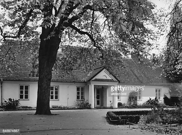 Chopin Frederic *2202181017101849 Musiker Komponist Pianist Polen Geburtshaus Chopins in Zelarowa Wola Aussenansicht 2000