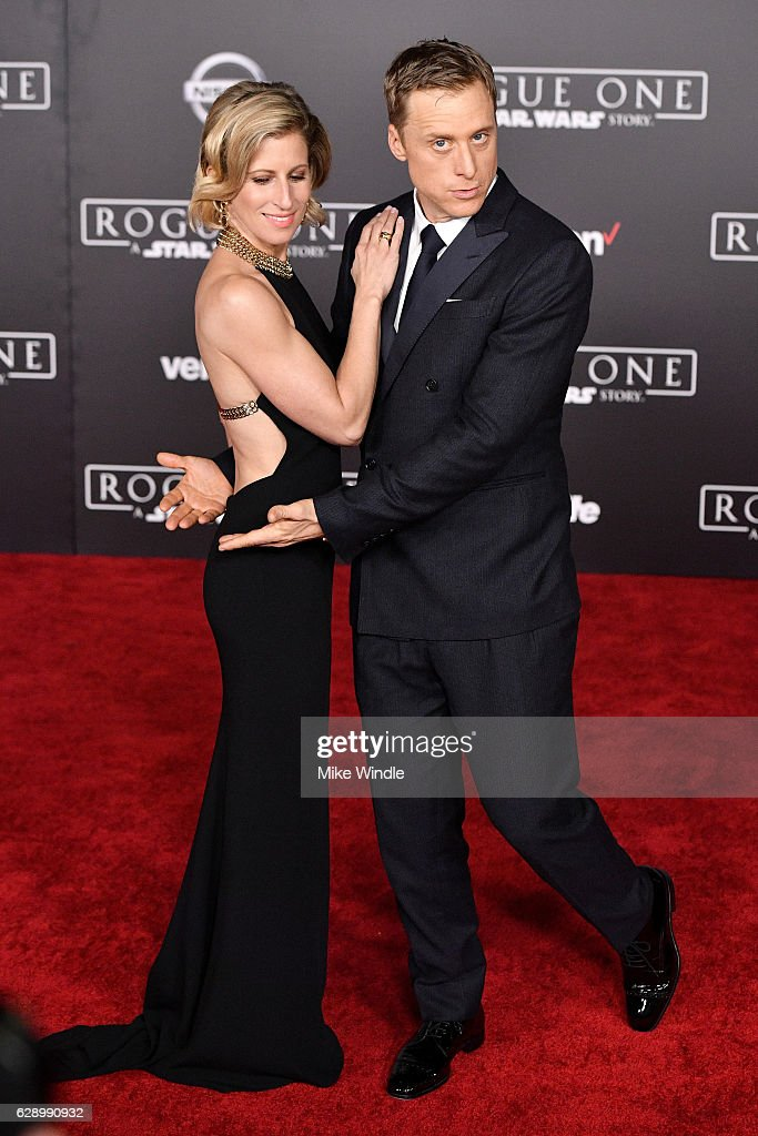 """Premiere Of Walt Disney Pictures And Lucasfilm's """"Rogue One: A Star Wars Story"""" - Arrivals : News Photo"""